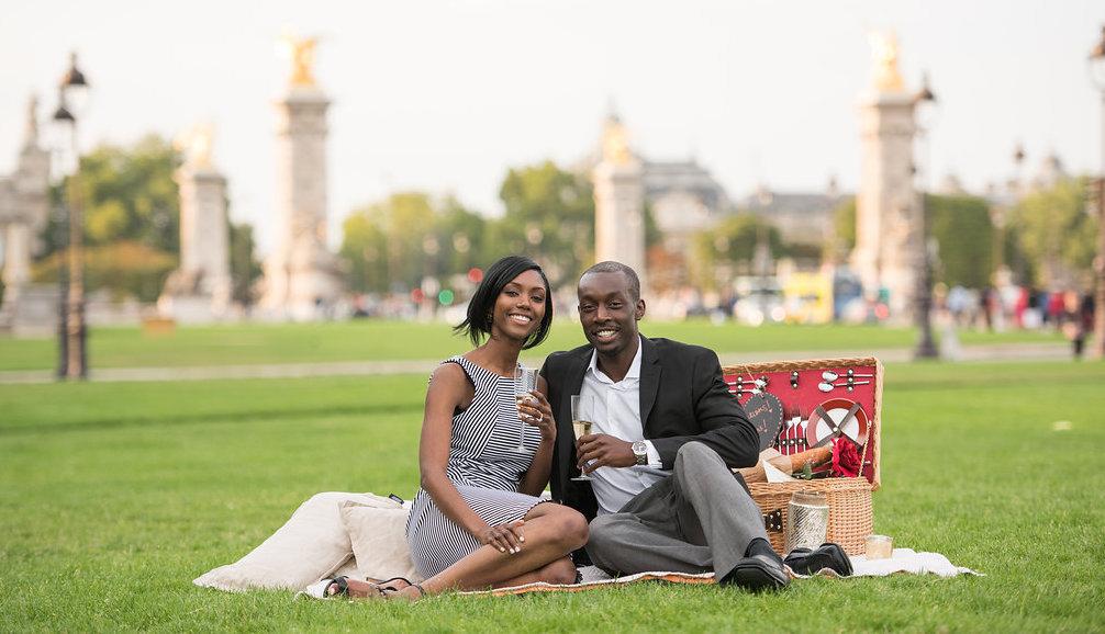 Phil's surprise proposal & picnic for Natu!